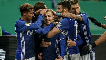 «Шальке» одолел «Кёльн» в матче 1/8 финала Кубка Германии