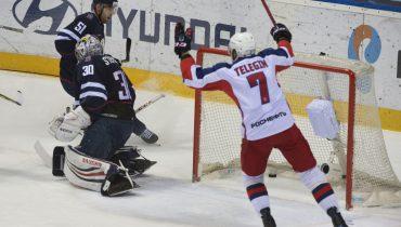 Две шайбы Джеффа Плэтта позволили ЦСКА обыграть «Слован» в Словакии