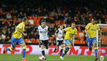 Хет-трик Лусиано Вьетто вывел «Валенсию» в 1/4 финала Кубка Испании