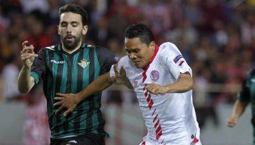 «Бетис» забил пять голов и обыграл «Севилью» в севильском дерби