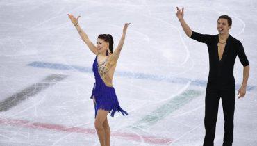 Фигуристы Екатерина Боброва и Дмитрий Соловьев идут шестыми после короткой программы