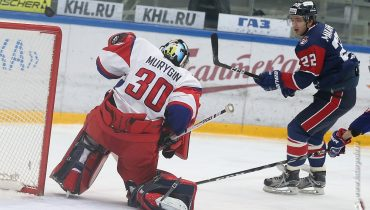 «Локомотив» в четвертый раз подряд выиграл у «Торпедо». Петерису Скудре остается только плакать от обиды