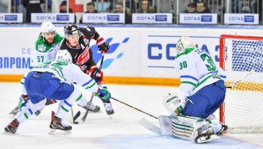 «Салават Юлаев» сравнял счет в серии с «Авангардом». Теперь команды вернутся в Уфу