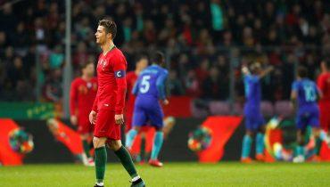 Нидерланды разгромили Португалию, а Криштиану Роналду заслужил поцелуй от болельщика