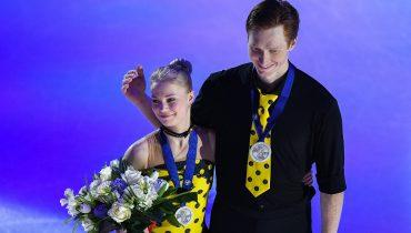 Фигуристы Евгения Тарасова и Владимир Морозов завоевали серебряные медали на ЧМ в Милане