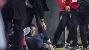 Фанаты «Фенербахче» сорвали матч, разбив голову тренеру «Бешикташа»