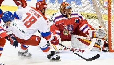 Сборная России впервые с 2015 года проиграла три игры подряд на Евротуре