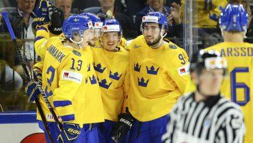Шведы размазали австрийцев и захватили лидерство в группе A