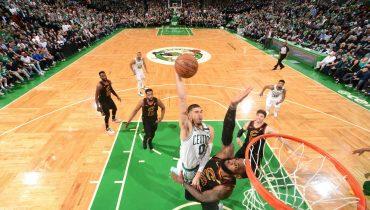 «Голден Стэйт» и «Кливленд» в четвертый раз подряд сразятся в финале плей-офф НБА