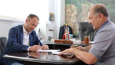 Парфёнов возглавит «Урал» вместо Тарханова, а «Арсенал» расстался с Божовичем