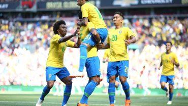 Неймар и Фирмино добыли бразильцам победу над хорватами