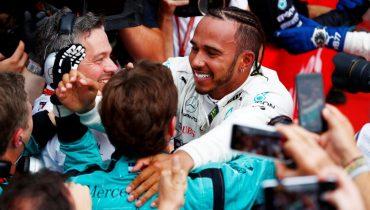 Хэмилтон воспользовался сходом Феттеля в Гран-при Германии