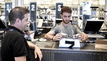«Юве» продает футболки Роналду по 100 € и всё равно не успевает их изготавливать