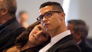 Мама Роналду: «Я не предлагала сыну возвращаться в «МЮ»