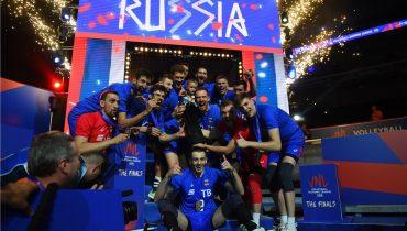 Российские волейболисты разобрались с французами в финале Лиги наций