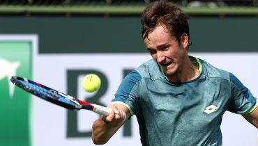 Медведев оказался сильнее Гарсии-Лопеса и сыграет с Маннарино