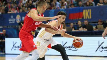 Российские баскетболисты не без труда обыграли болгар в Химках