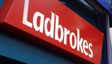 БК Ladbrokes выплатила клиенту 1560 $ за отменённую ставку