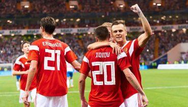 Черчесов вызвал в сборную России 26 футболистов, включая Чалова, Ахметова и Набабкина