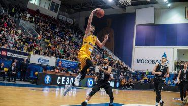 «Химки» догнали ЦСКА в турнирной таблице Единой лиги ВТБ