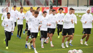 Сборная Германии сыграет с россиянами без трёх игроков основы