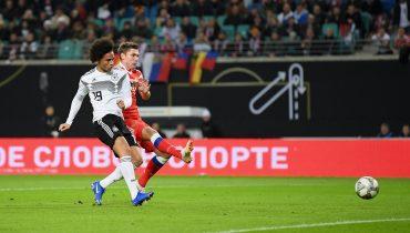 Немцам хватило тайма на мастер-класс для сборной России