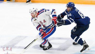 Столичное «Динамо» уступило СКА, а Крикунов получил в голову шайбой