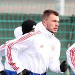 Боссы «Локо» хотят заполучить Соболева, но Сёмин просит Комличенко